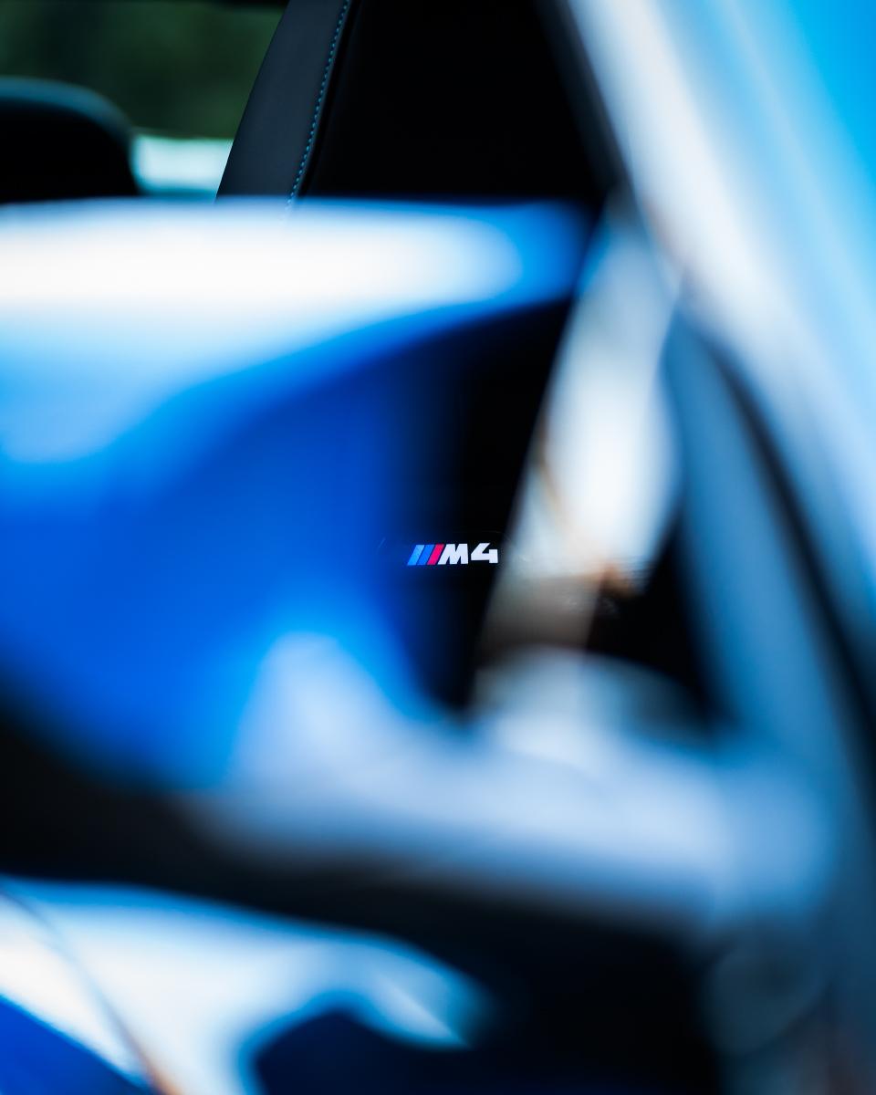 BMW M4 Voodoo Blau